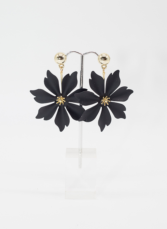 Sonya's Black Metal Flower Earrings