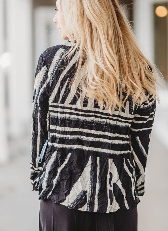 Liv by Habitat Crepe Tribe Hailey Pullover